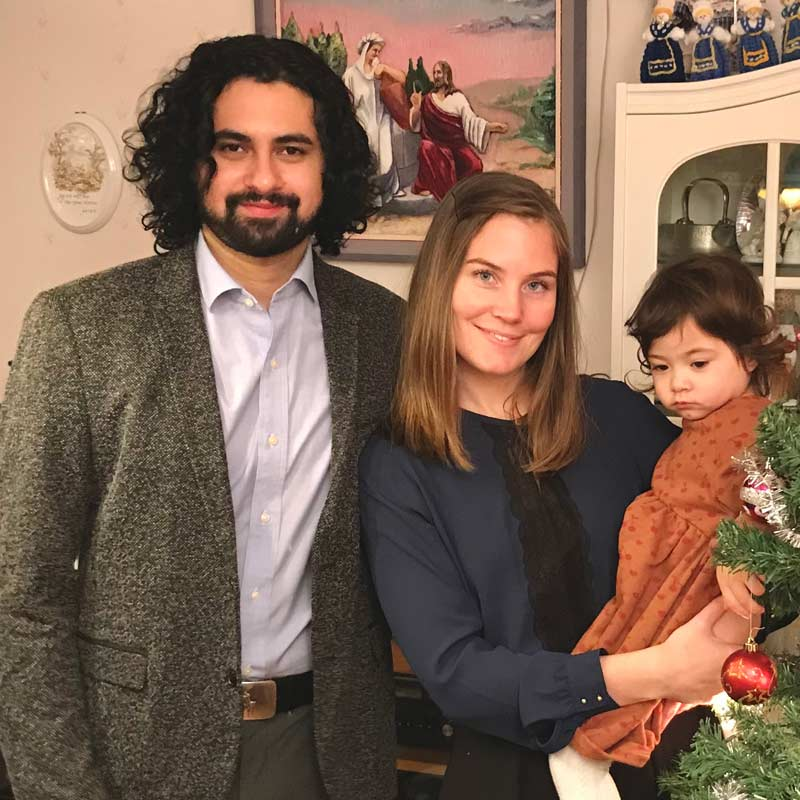 Sahar with his family