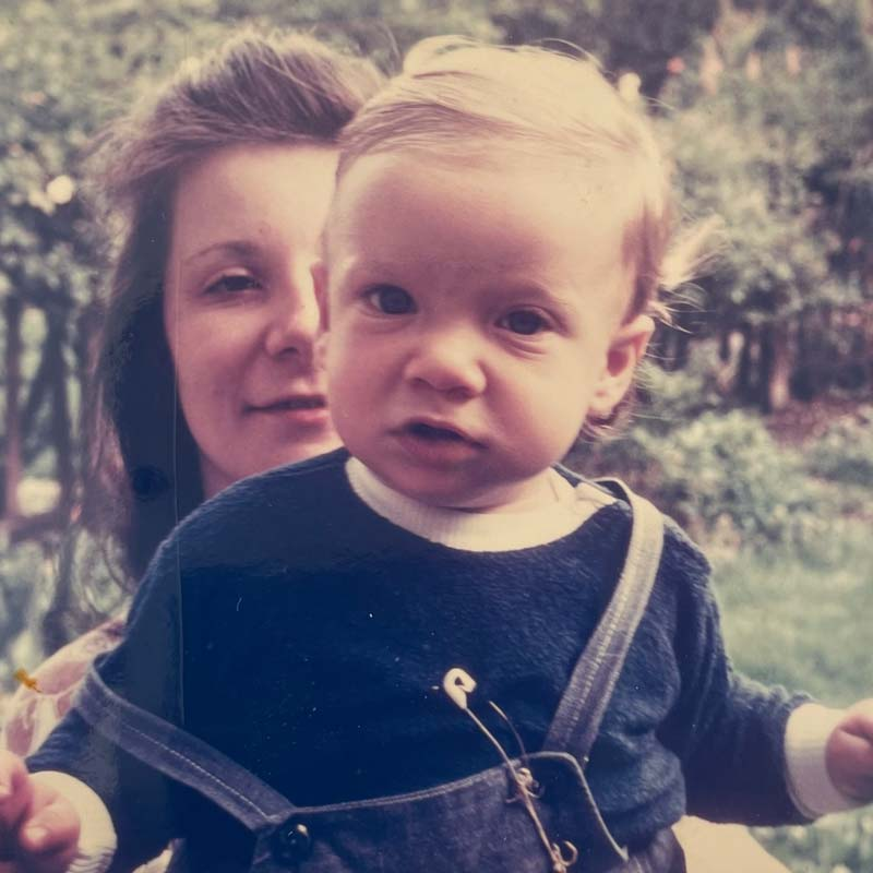 Young Ziggy with his mom