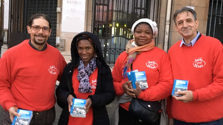 Jews for Jesus staff and volunteers in France
